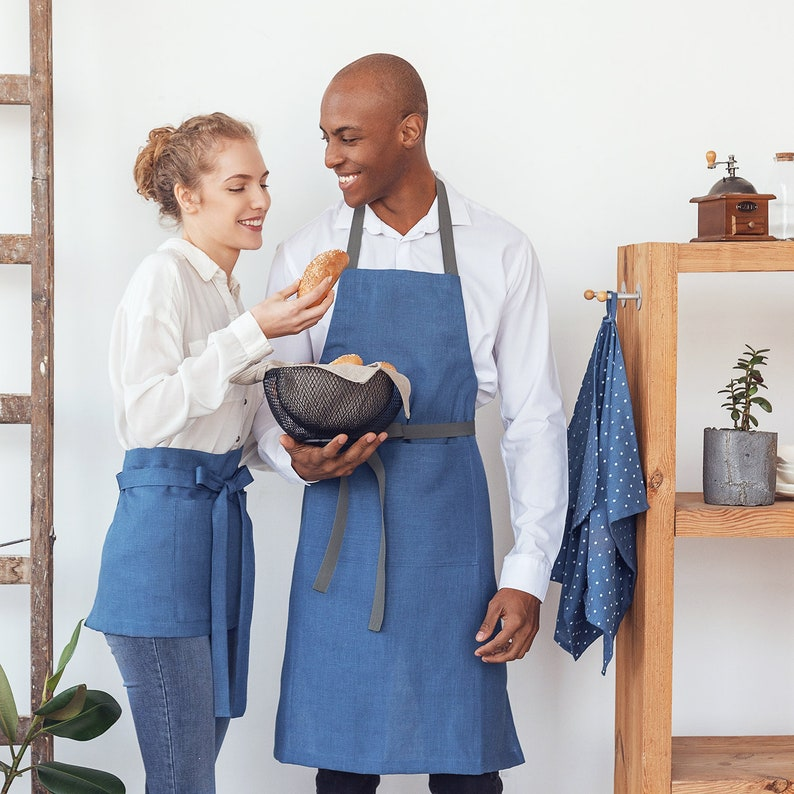 Waitress apron with two pockets and long straps in many colors