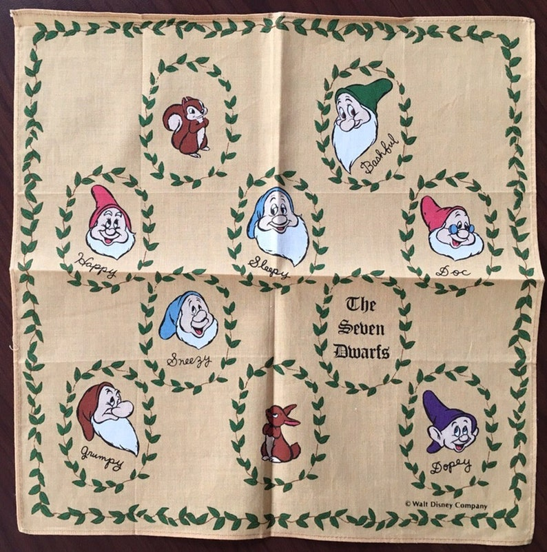 Vintage child/'s Handkerchief Walt Disney Company The Seven Dwarfs New