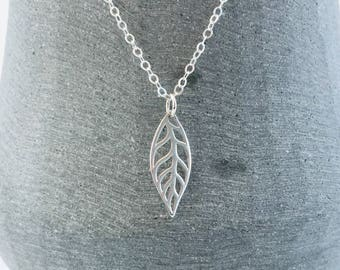 Leaf Necklace in Sterling Silver, Small Silver Autumn Leaf Necklace, Nature Leaf Jewellery, Botanical Necklace
