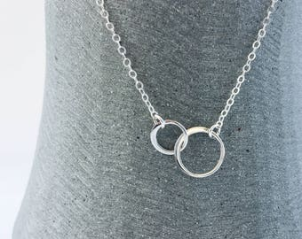 Tiny Double Circles Necklace in Sterling Silver, Interlocking Silver Circles Jewellery, Eternity Circle Link Necklace, Best Friend Gift