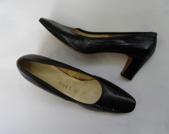 45b9c1900b1 Vintage 80s does 50s Sesto Meucci suede pumps color block