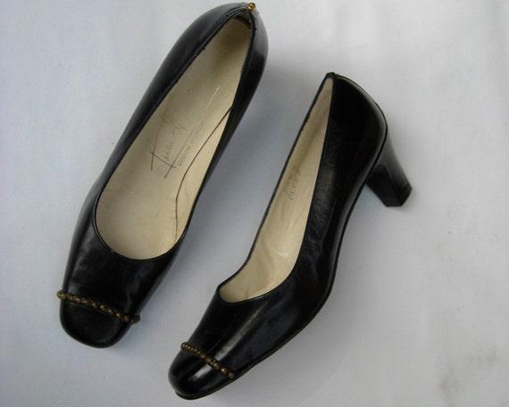 Vintage 60s pumps, black 60s shoes, black vintage