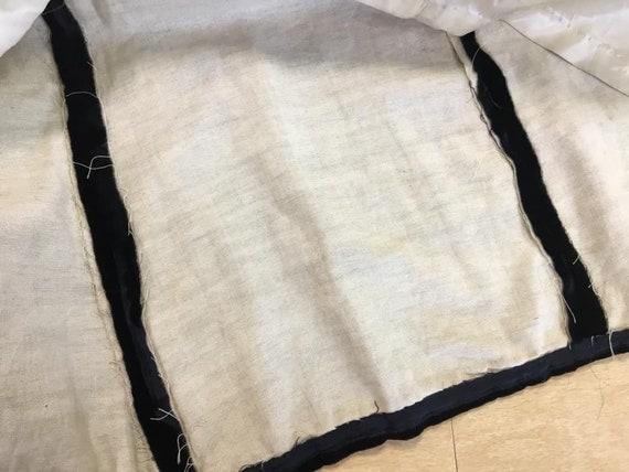 RESERVED Vintage 40s black rayon velvet hooded cl… - image 7