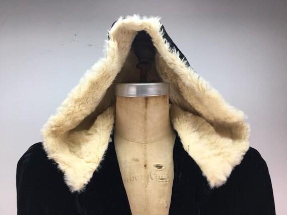 RESERVED Vintage 40s black rayon velvet hooded cl… - image 3
