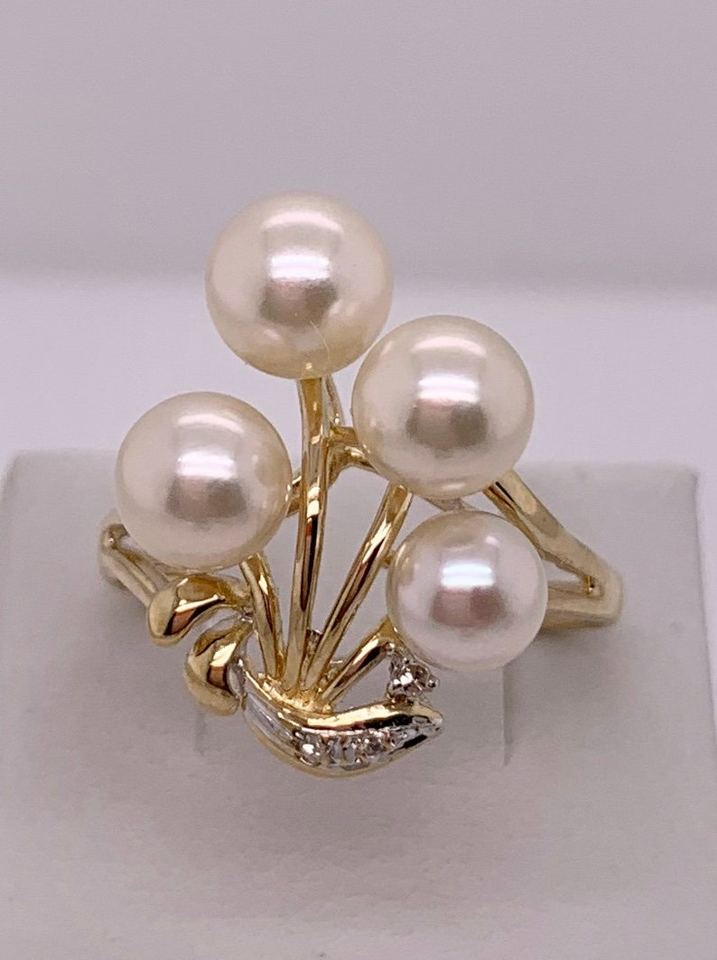 Vintage 14k yellow gold Graduated Akoya Cultured Pearl and Diamond Spray Ring size 9