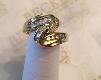 14k yellow gold Round and Baguette Diamond Zig-Zag Ribbon Top Ring, .25 tw, I-SI1,2-I1, size 7