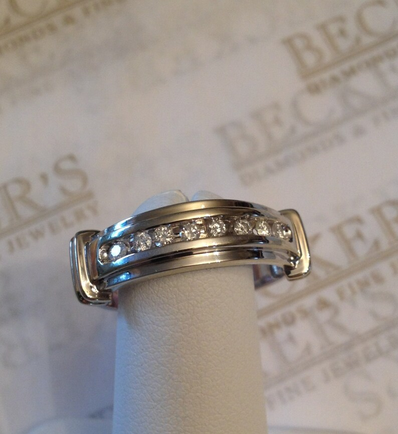 Vintage 14k white gold 8 Round Diamond Channel Set Arched Wedding Band with  Bar Accents,  16 tw I-I1, size 8 75