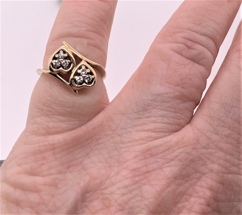 * size 2.75 .09 ctw Vintage 10k yellow gold 6 Diamond Double Heart Bypass Ring H-SI2-I1