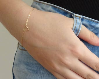 Tiny Gold Triangle Bracelet, Dainty open Triangle Bracelet, 14k gold fill, Sterling silver Layering Bracelet, Bridesmaid gifts