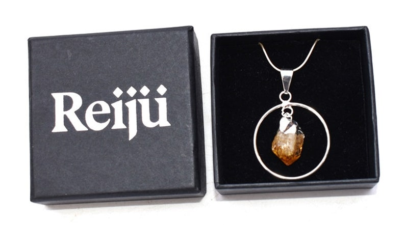 Beautiful /& Natural Necklace Pendant incorporating Small Citrine Crystal Charm with Gift Box By Reiju.