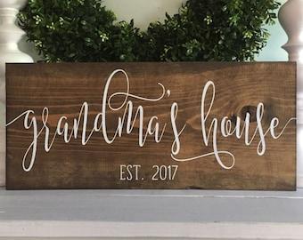 Grandma's House, Grandmas House, Gift for Grandma, Pregnancy Reveal, Grandma Sign,  New Grandma sign, personalized grandma, gift for mom