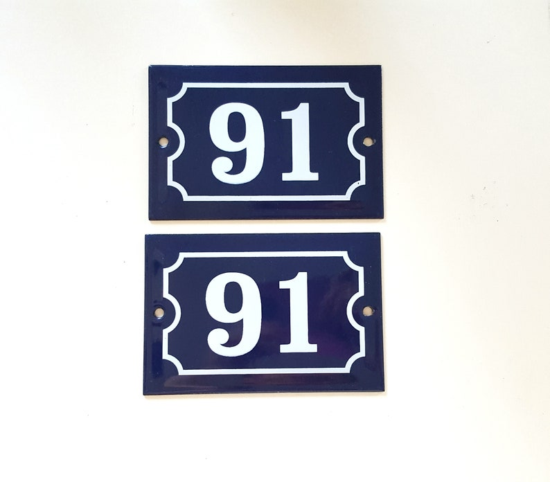 SMALL ANTIQUE STYLE ENAMEL DOOR NUMBER 91 SIGN PLAQUE HOUSE NUMBER SIGN