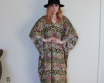 Vintage Multi-Color Paisley MuMu