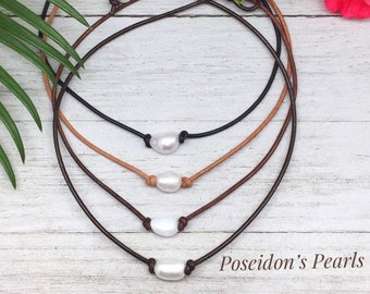 Surfer Necklace, Single Pearl Choker, Real Pearl on Black Leather Cord, Trendy Stocking Stuffer for Teen, Beach Necklace for Women