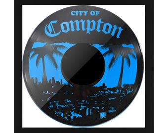CITY OF COMPTON Frame setting / / Los Angeles / / Usa / / record Two Black & Blue