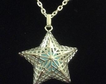 Star Diffuser Locket, Diffuser necklace, essential oil diffuser Jewelry
