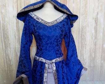 9525089befc4 abito medievale in damascato