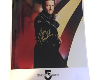 BABYLON 5 CAPTAIN JOHN SHERIDAN ACTION FIGURE SIGNED BY BRUCE BOXLEITNER