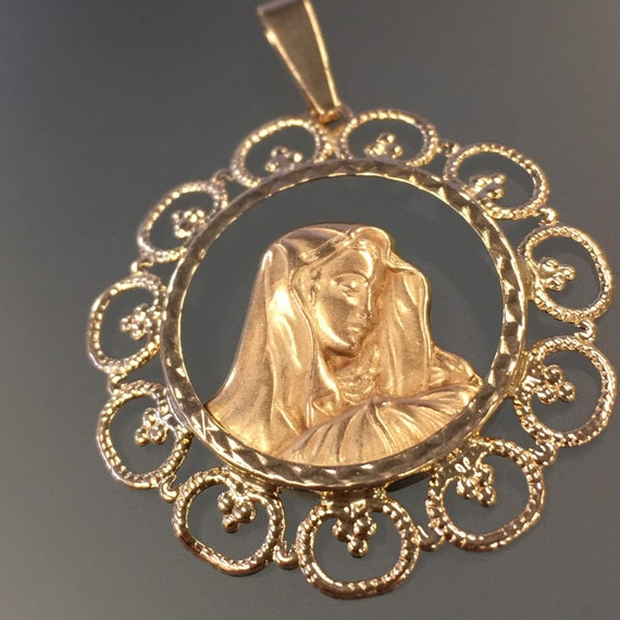 Vintage Madonna Pendant 10k Yellow Gold, Madonna P