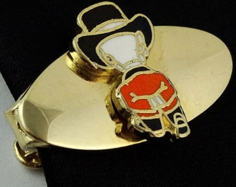 Thanksgiving Pilgrim Vintage Tie Clip Bar Short Small 1960s
