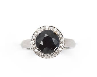 Classic ring black Sapphire 2.60ct Diamonds totaling .14ct, in 14kw gold (solid) dress or engagement ring. Price includes shipping insurance