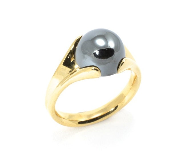 Beautiful cabochon Haematite 9mm natural stone,the ring is both unusual and classic at the same time, made in 9k solid yellow gold.