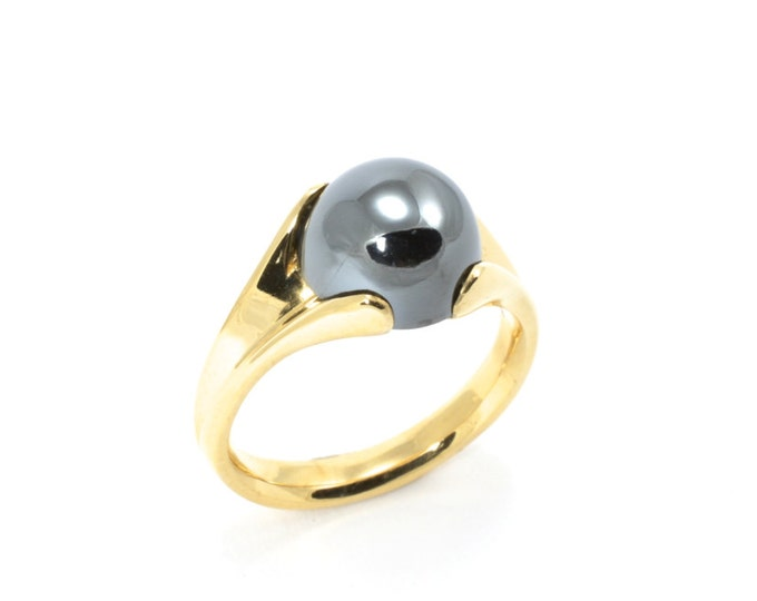 Beautiful cabochon Haematite natural stone,this ring manages to be both unusual and classic at the same time, made in 10k solid yellow gold.