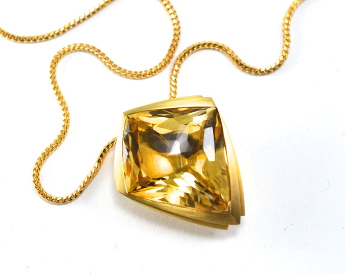 Citrine pendant, Citrine 43.60ct,18ct yellow gold pendant only. Or with choice of 18cty chain or titanium (cost extra).