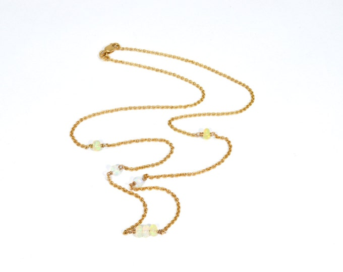 "Opal Pendant Solid Crystal Opal natural opal beads from Australia 9K yellow 19"" 49cm chain solid gold 9K necklace."
