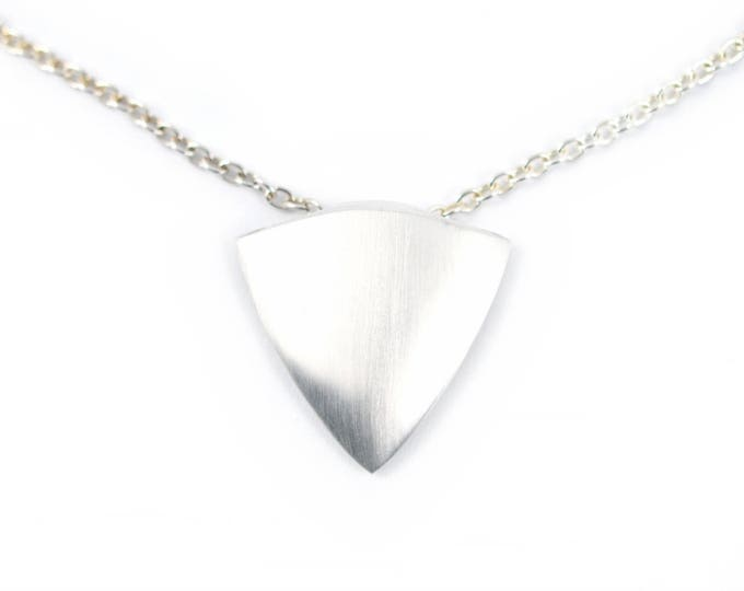 Sterling silver, solid arrow head pendant, 15grams , silver chain solid silver.