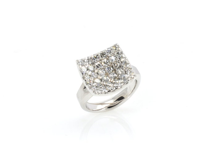 Diamond engagement ring, covered with 36 gorgeous GVS diamonds 1.96ct of diamonds in total 18k white gold.Price includes shipping insurance