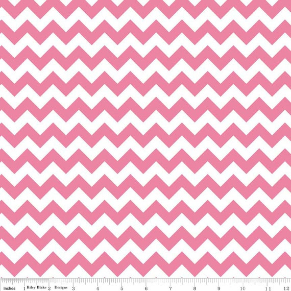 Riley Blake Basics Small Chevron C340-70 Hot Pink