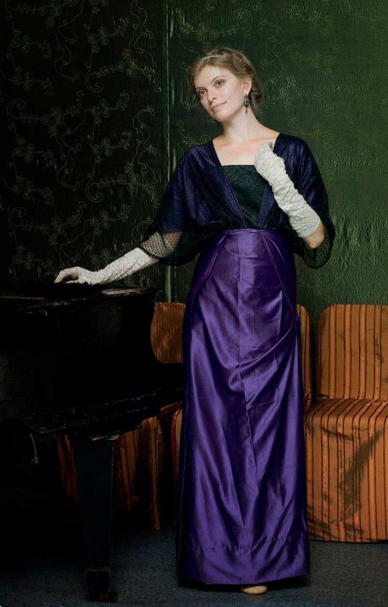 Old Fashioned Dresses | Old Dress Styles Edwardian Violet Dress Titanic Era Gown Downtown Abbey 1910s Costume $280.00 AT vintagedancer.com