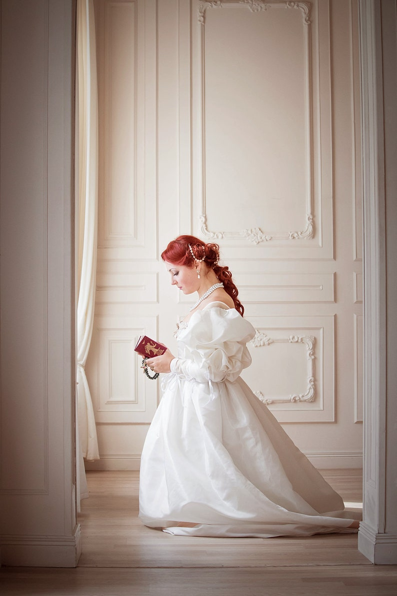 Renaissance Wedding Dresses.Renaissance Weding Dress White Gold Renaissance Wedding Gown