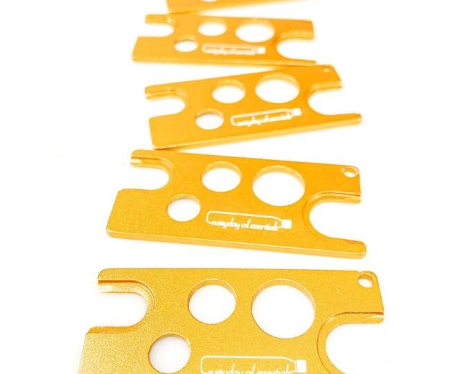 Gold Universal Essential Oil Key