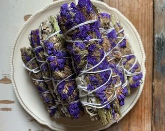 White Sage + Purple Statice Flowers | Smudge | Reiki Love Infused | Spiritual Junkies | Altar | Sacred Spaces
