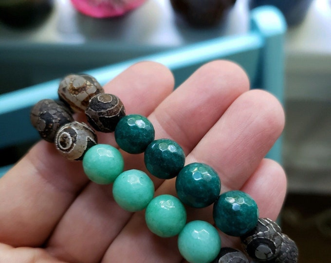Matte Tibetan Agate + Mermaid Jade | Dzi Agate | Chunky 10 mm | Spiritual Junkies | Yoga + Meditation | Stackable Mala Bracelet