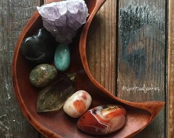 Chakra Set | Agate, Sunstone, Citrine, Rhyolite, Amazonite, Labradorite + Amethyst | Crystals | Reiki | Spiritual Junkies | Moon Bowl Altar