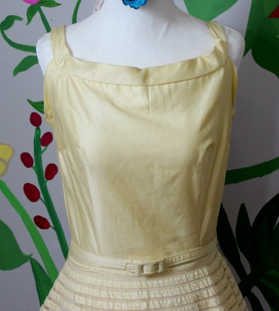 Daisy Dress // Vintage 1950's Buttery Yellow Cott… - image 4