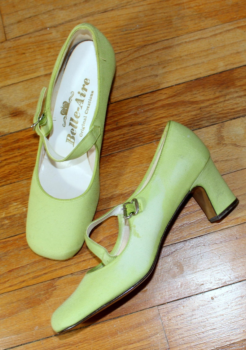 b1121eae835 Belle Aire High Heels    Vintage 1960 s Chunky Heel Mary
