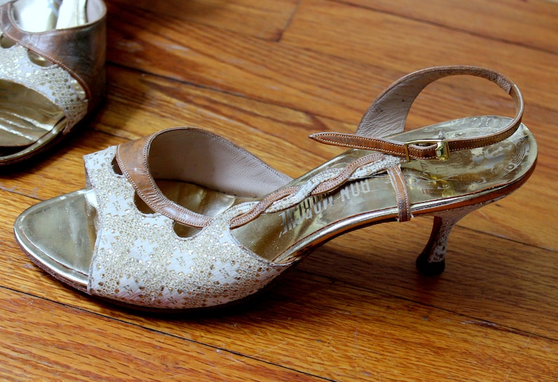 f452ee926443e Vintage 1950's Peep Toe Heels //Marilyn Shoes Amano Gold & Ivory Leather  and Lace Strappy High Heel Sandal Size 6