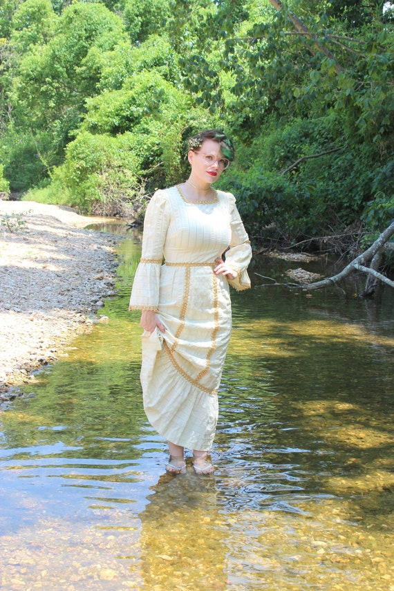 Juliet Dress // Vintage Elizabethan Style 1960's C