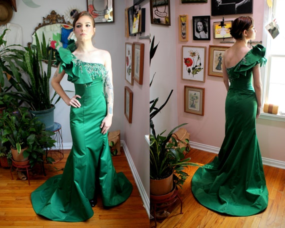 Madeline Gown // 1940's Inspired Emerald Green Flo