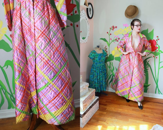 Vintage 1950's Pink Plaid Quilted Dressing Gown //