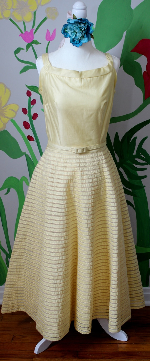 Daisy Dress // Vintage 1950's Buttery Yellow Cott… - image 3