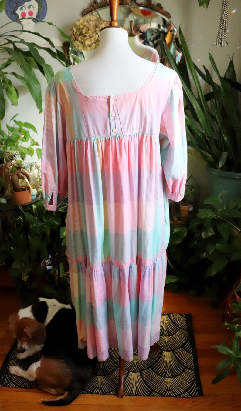 Taylor Dress  Vintage 1970/'s Pockets L-XL 1980/'s Pastel Pink Purple /& Green Square Print Cotton Shift Housedress with Lantern Sleeves