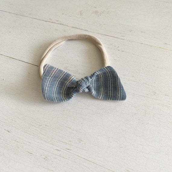 Bitsy knot bow {Lainy} nylon headbands, baby hair bows