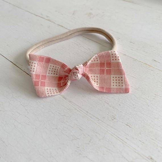 Baby headband- nylon headbands- newborn bows- hair clip {Claira}