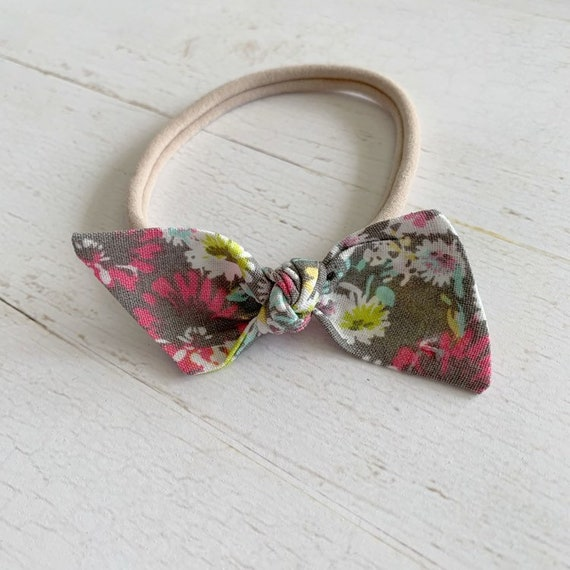 Baby bow headband {Lottie} newborn hair bows, baby girl headbands, nylon headbands