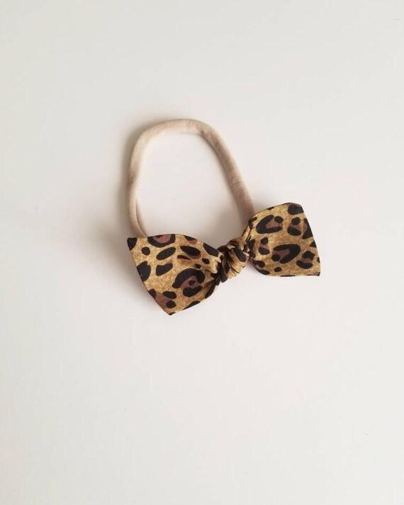 Bitsy knot hair bow {Cheetah}